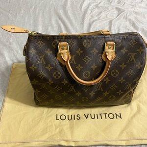 Like new 💯 Authentic Louis Vuitton Speedy 30